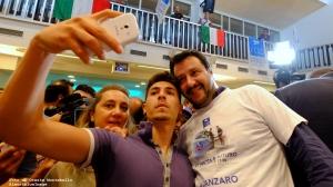 7 Matteo Salvini Selfie