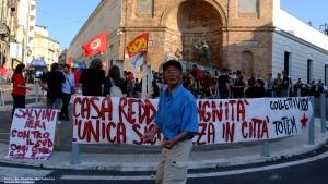 8 Contestazione Salvini Piazza Matteotti